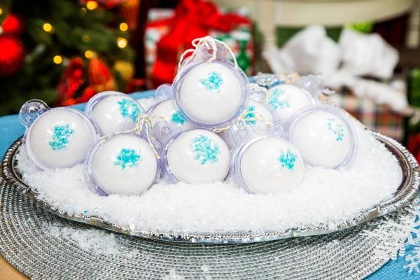 DIY Snowball Bath Bombs #DIY #craft #bathroom