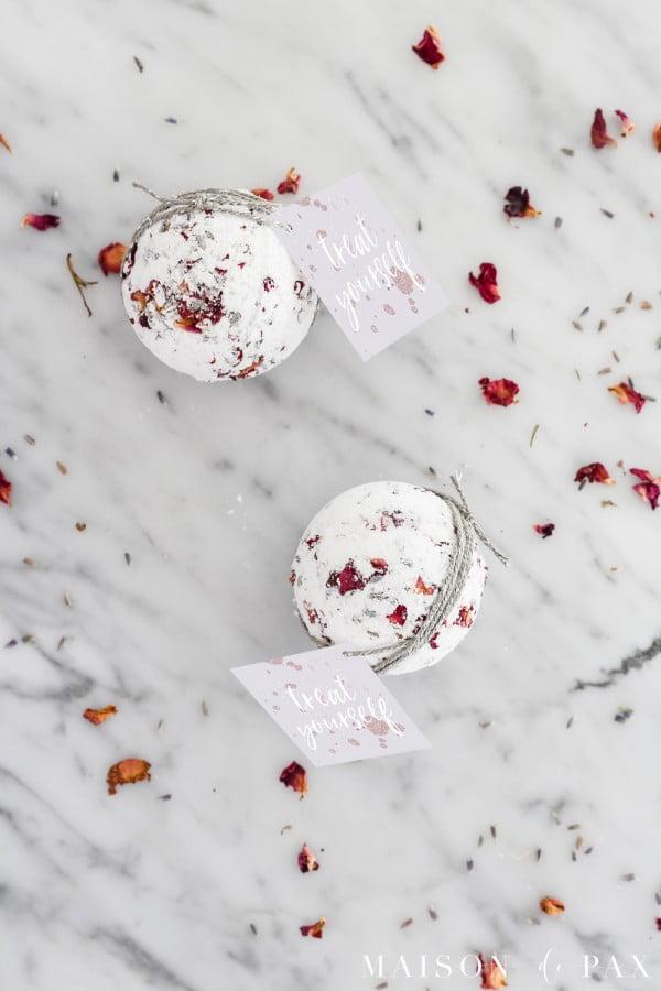 DIY Lavender Rose Bath Bombs #DIY #craft #bathroom