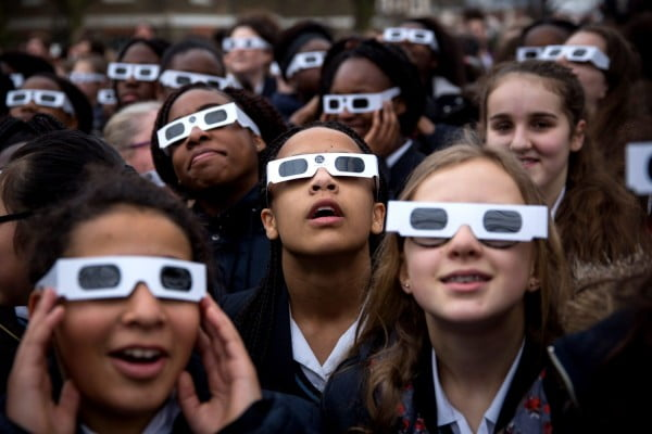 How To Watch The Eclipse If You Didn't Buy Eclipse Glasses #DIY #eclipse #glasses