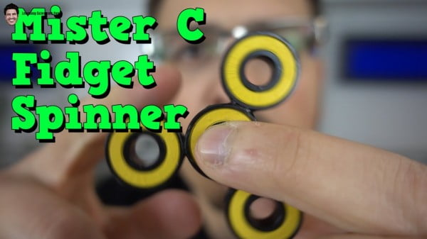 Make your own Fidget Spinner! #DIY #toys #crafts