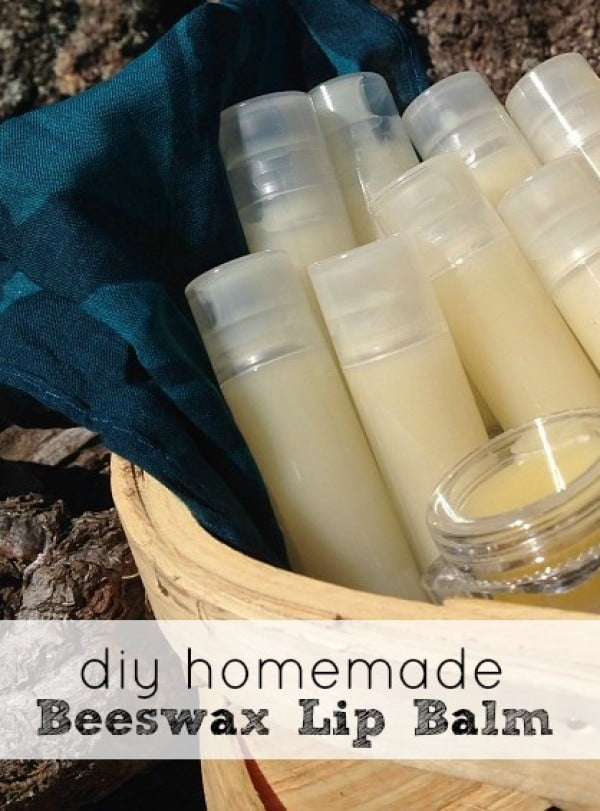 DIY Beeswax Lip Balm #DIY #crafts #lipbalm