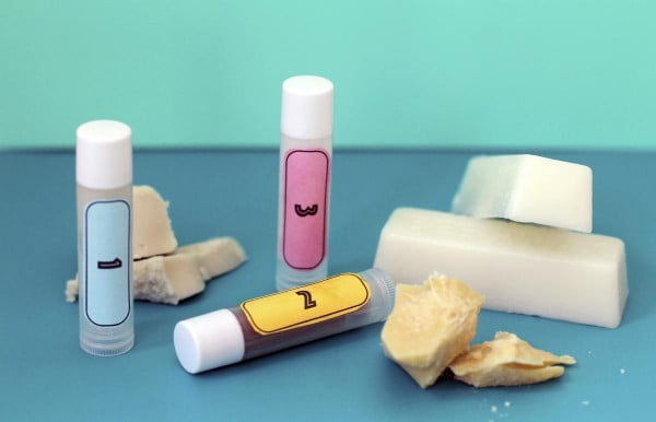 Which ingredients make the best homemade lip balm? #DIY #crafts #lipbalm