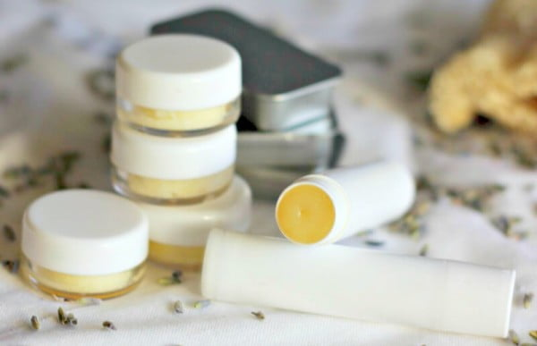 Say Goodbye To Dry Chapped Lips! This Homemade Lip Balm Nourishes and Heals Dry Lips with Coconut Oil. #DIY #crafts #lipbalm