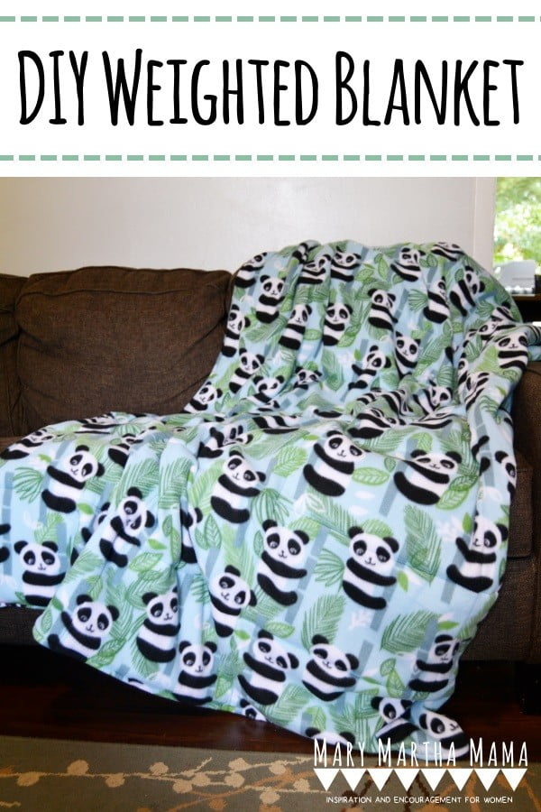 Sewing tutorial: DIY Weighted Blanket #DIY #crafts #bedroom
