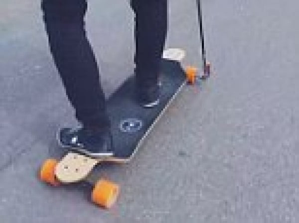 Cheap and Easy DIY Electric Skateboard #DIY #crafts #toys