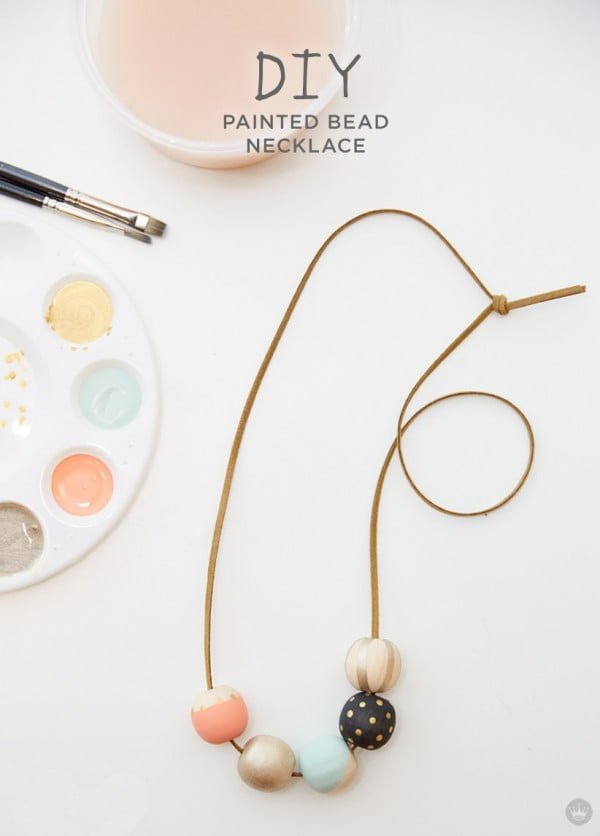 Make your own DIY painted wood bead necklace #DIY #crafts #jewelry #necklace