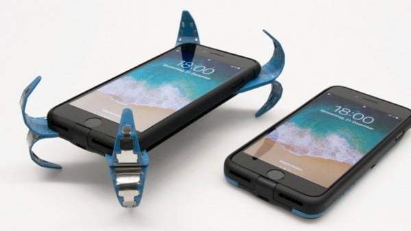 "This phone case acts like a ""mobile airbag"" to protect your phone when dropped #DIY #craft"