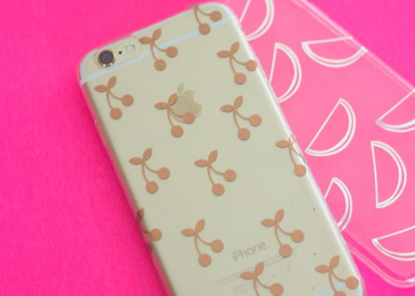 Personalize a phone case using your Cricut Explore #DIY #craft