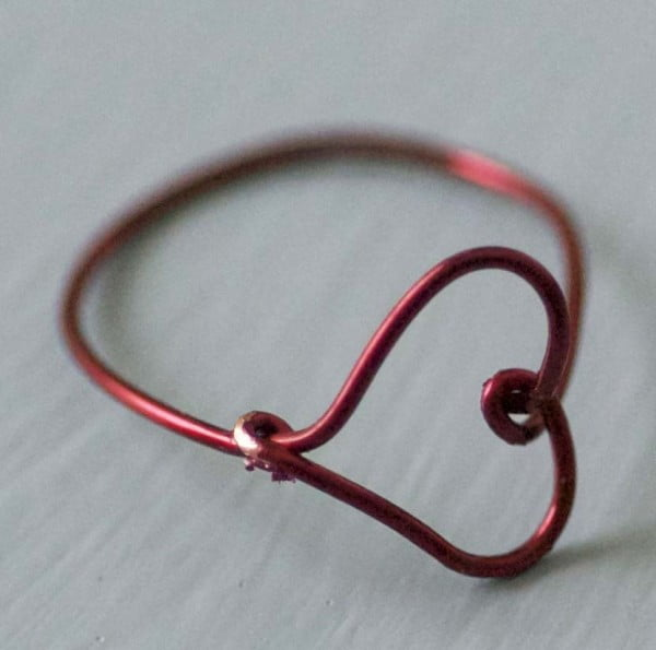 Make a Wire Heart Finger Ring #DIY #jewelry #ring #crafts