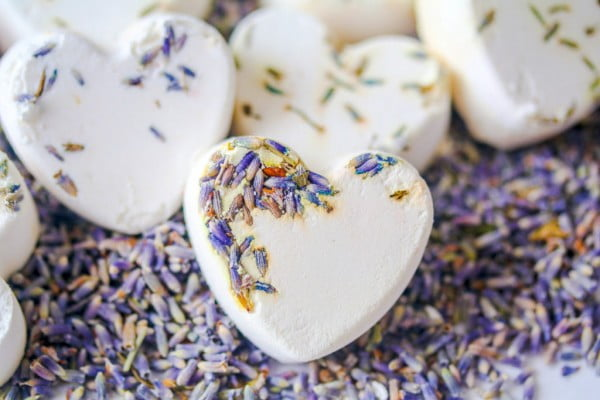 NO Citric Acid Lavender Shower Melts #DIY #crafts #beauty #bathroom