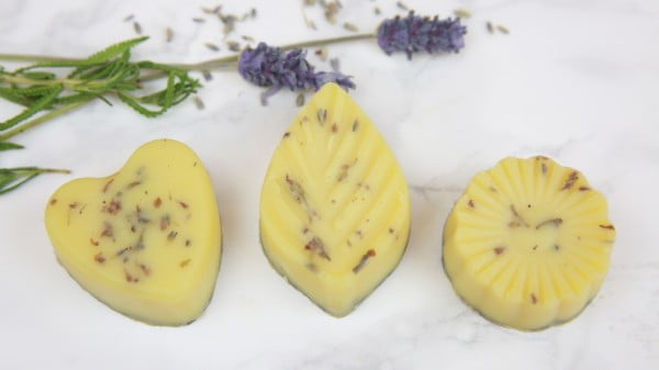 DIY Lavender Bath Melts #DIY #crafts #beauty #bathroom