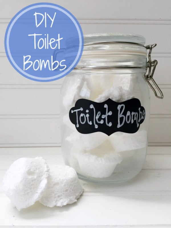 Cleaning Tip Tuesday: DIY Toilet Bombs #DIY #bathroom #cleaning #fizzies #toiletbombs #crafts