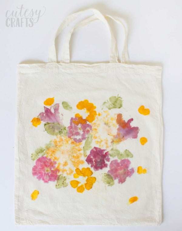 Mother's Day Gift: Pounded Flower Tote Bag #DIY #craft #totebag