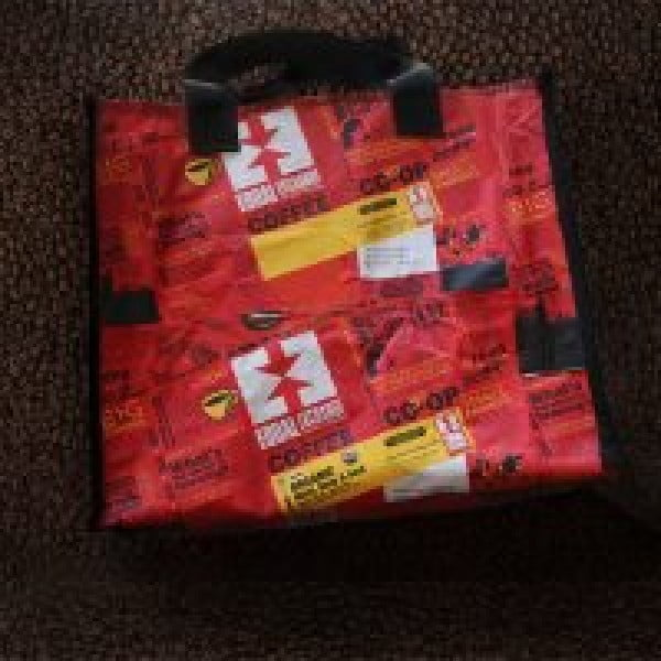 DIY Tote Bag With Reused Fair Trade Coffee Bags #DIY #craft #totebag