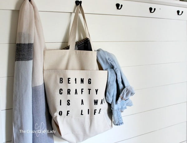 Crafting on the go: How to Make a Custom Craft Tote Bag #DIY #craft #totebag