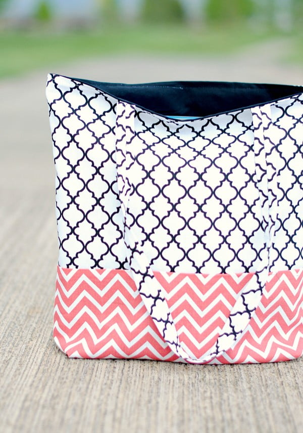 How to Make a Bag: Tote Bag Pattern and Tutorial #DIY #craft #totebag