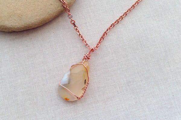 Wrap Wire Around a Polished Rock, Shell, or Found Item to Make Jewelry #DIY #crafts #jewelry