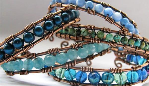 DIY Wire Wrap Cuff Bracelet #DIY #crafts #jewelry