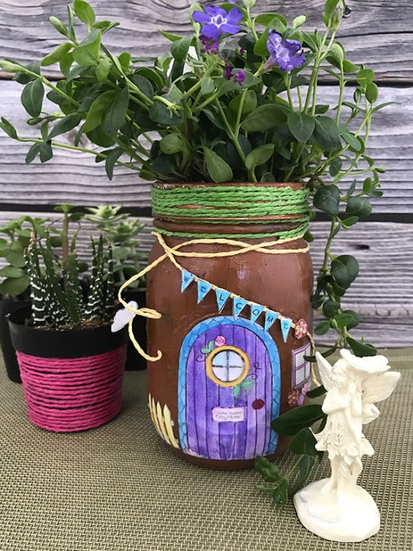 DIY Mason Jar Fairy House #DIY #craft #fairyjar #masonjar #homedecor