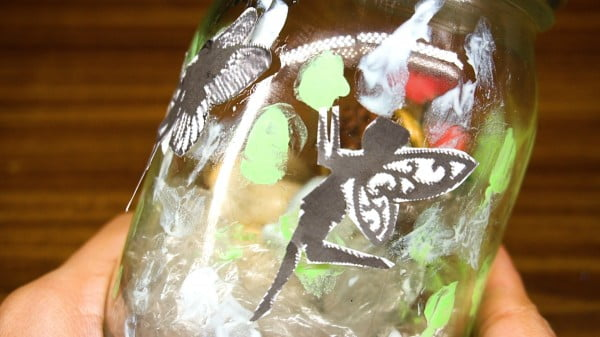 How to Make Fairies in a Jar #DIY #craft #fairyjar #masonjar #homedecor