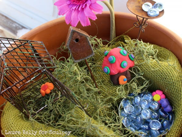Crafts for Kids: DIY Fairy Garden Jar #DIY #craft #fairyjar #masonjar #homedecor