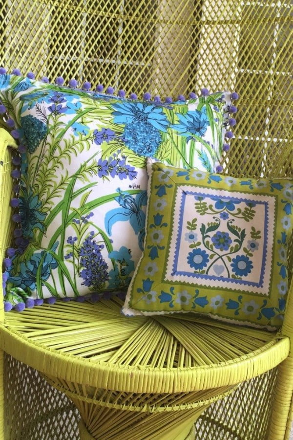 Easy No-Sew Pillow Idea for Summer Porches and Patios #nosew #DIY #craft #homemade #pillow