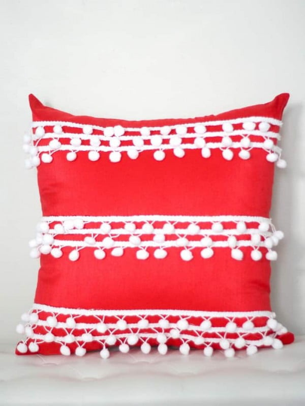 No Sew Pillow Cover with Pom Pom Trim #nosew #DIY #craft #homemade #pillow