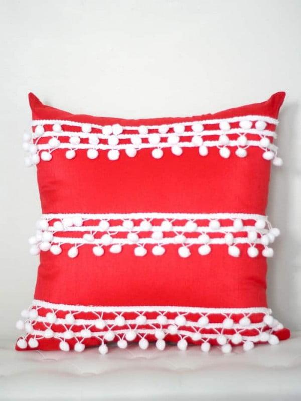 No Sew Pillow Cover with Pom Pom Trim #nosew #DIY #craft #homemade #pillow