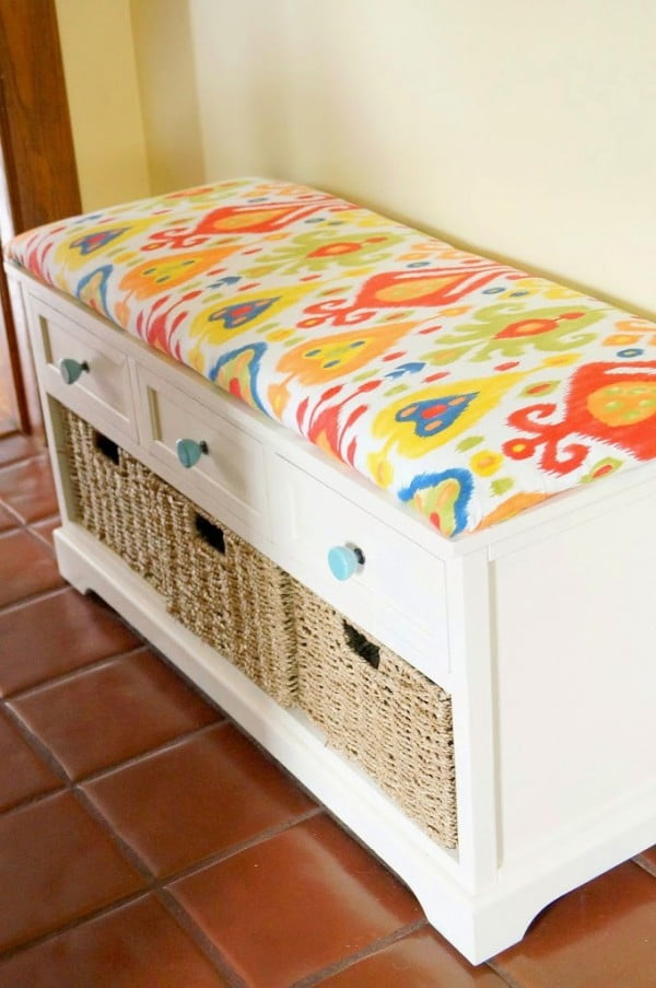 DIY No Sew Bench Cushion #nosew #DIY #craft #homemade #pillow