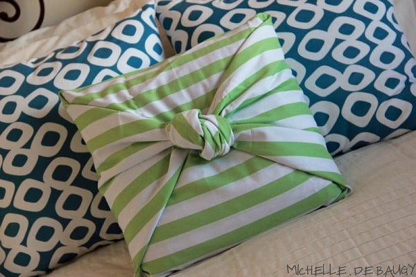 No Sew Pillow Case #nosew #DIY #craft #homemade #pillow