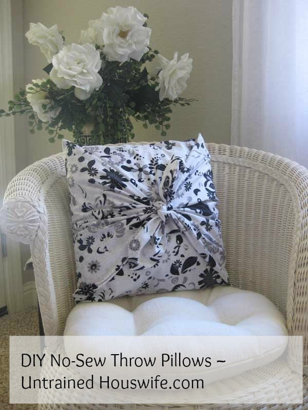 DIY No-Sew Throw Pillows #nosew #DIY #craft #homemade #pillow