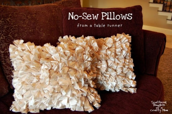 How to Make a Simple No Sew Pillow #nosew #DIY #craft #homemade #pillow