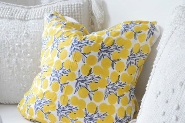 No Sew Pillows- Easy DIY #nosew #DIY #craft #homemade #pillow