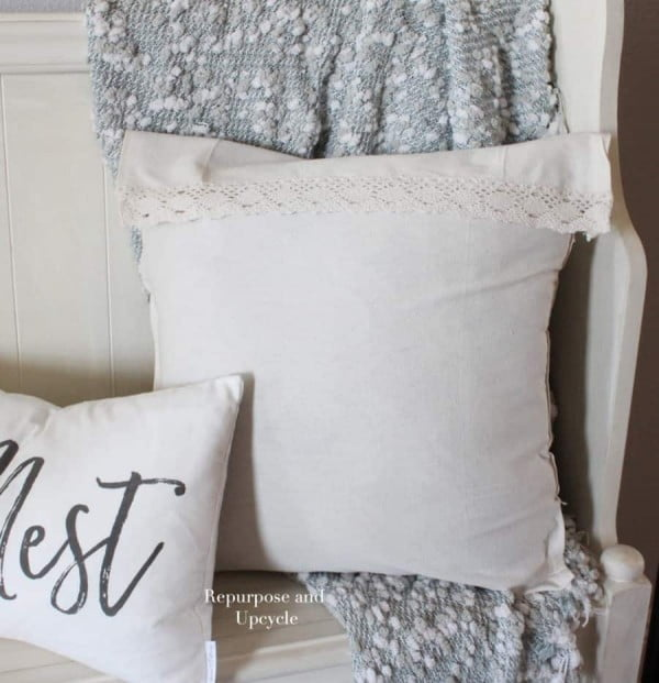 Easy DIY No Sew Pillow Covers #nosew #DIY #craft #homemade #pillow