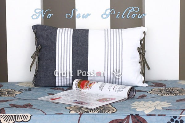No Sew Tea Towel Pillow #nosew #DIY #craft #homemade #pillow