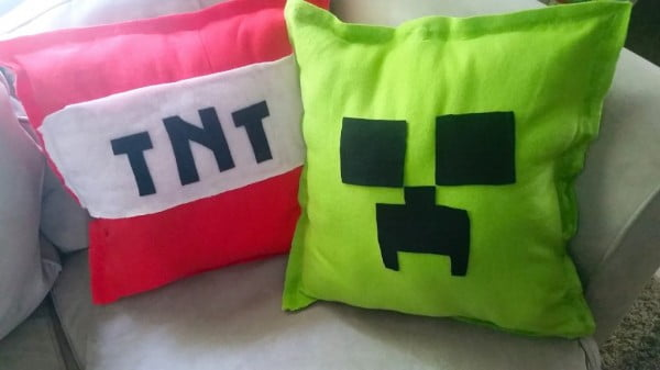 Make Your Own DIY Minecraft Pillows NO SEW Tutorial #nosew #DIY #craft #homemade #pillow