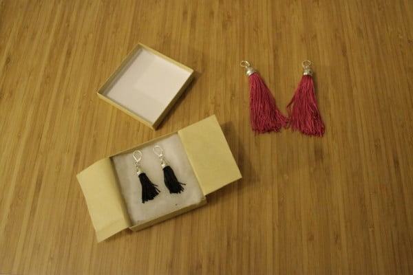 A Simple Homemade Gift Idea: DIY Tassel Earrings Tutorial #DIY #jewelry #earrings #crafts