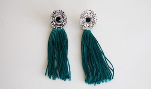 DIY: Embroidery Thread Tassel Earrings #DIY #jewelry #earrings #crafts