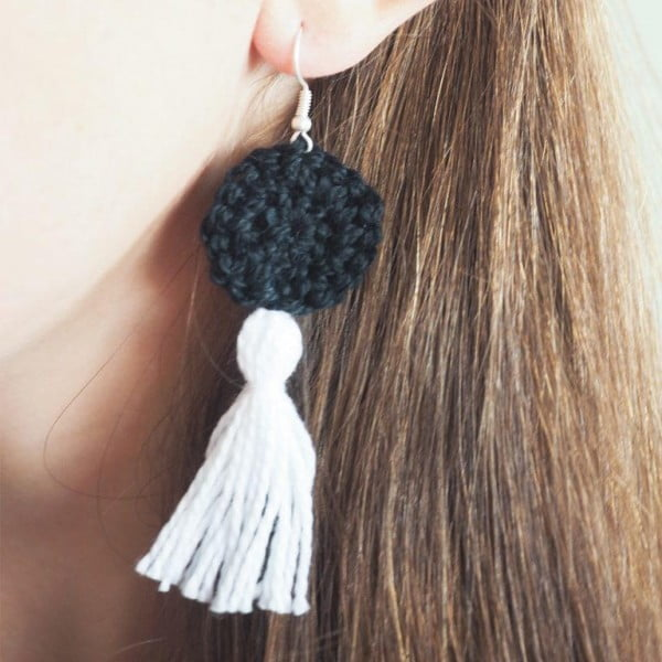 Easy DIY Tassel Earrings Crochet Pattern #DIY #jewelry #earrings #crafts