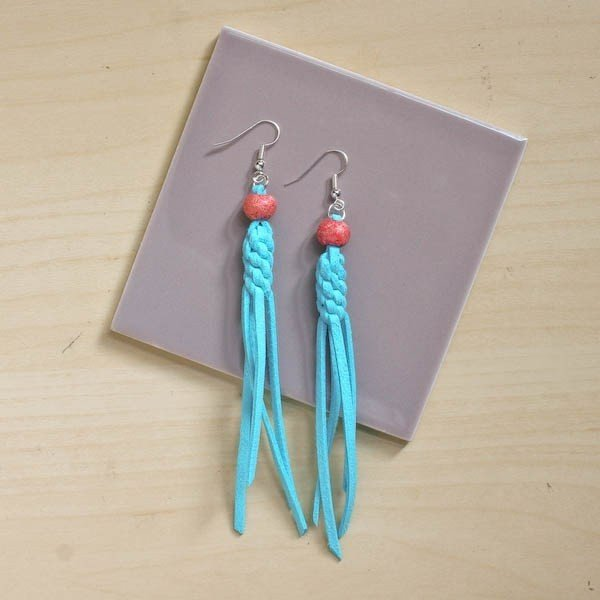 Knotted Tassel Earrings DIY Tutorial #DIY #jewelry #earrings #crafts