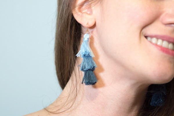 DIY Ombre Stacked Tassel Earrings #DIY #jewelry #earrings #crafts