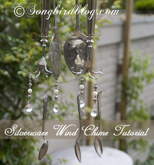 How to make a wind chime out of vintage silverware #DIY #crafts #windchimes