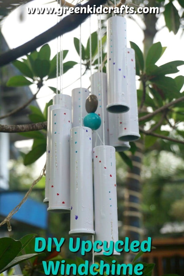 DIY Windchime from Upcycled Vitamin Bottles #DIY #crafts #windchimes