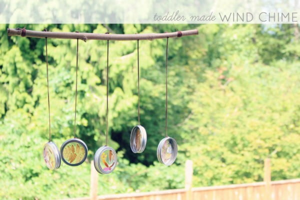 DIY Wind Chime {Mama & Me Craft} ⋆ Tairalyn #DIY #crafts #windchimes