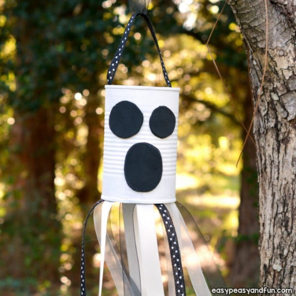 DIY Wind Chime Ghost Craft #DIY #crafts #windchimes