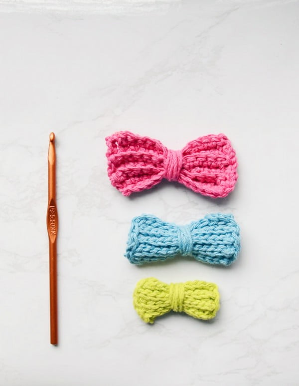 Crochet Bow Tutorial: DIY Hair Bows #crochet #crochetpattern #DIY #craft