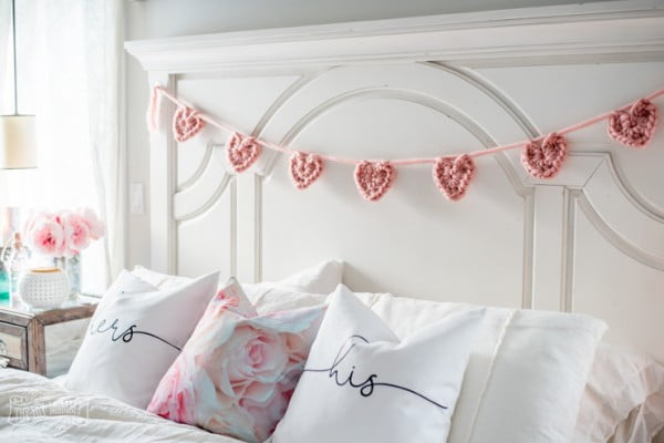 Make a Chunky Crochet Heart Banner #crochet #crochetpattern #DIY #craft