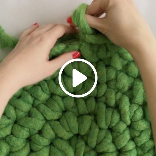 How to Finger Crochet a Rug #crochet #crochetpattern #DIY #craft