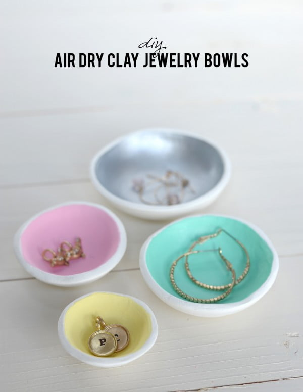 DIY Air Dry Clay Jewelry Bowls #DIY #clay #dish #trinket