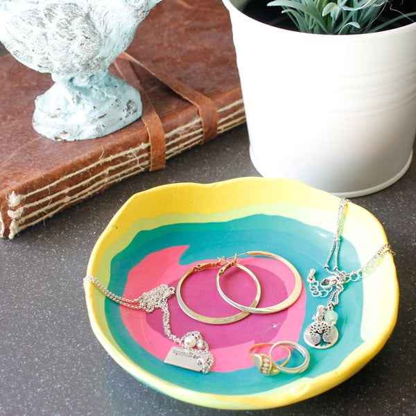 DIY Jewelry Dish #DIY #clay #dish #trinket